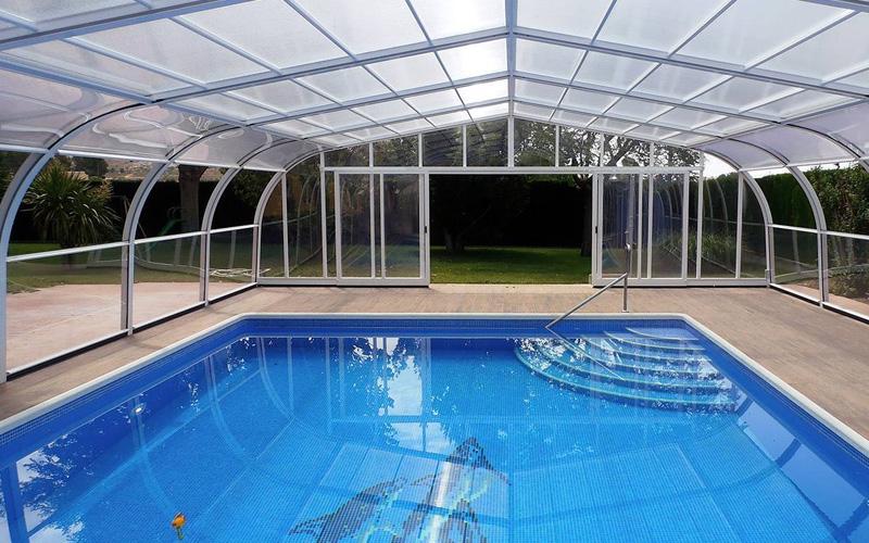 Fabricant abri de piscine haut fixe relevable