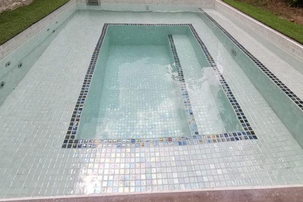 Constructeur installateur Spa bain à remous Carrelage de Luxe Haut de gamme