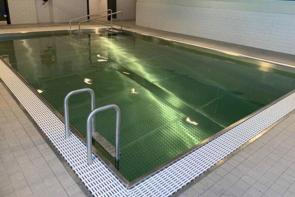 Construction piscine intérieure inox miroir à débordement Nord Pas-de-Calais
